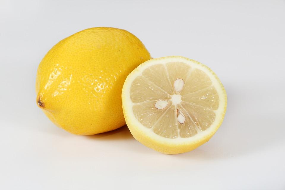 レモンの11の健康上の利点